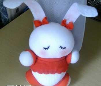 袜子娃娃制作 如何用袜子做兔子步骤
