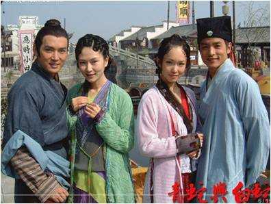 11,2001年,范文芳版《青蛇与白蛇》 ,剧情改得比较离谱,但人物