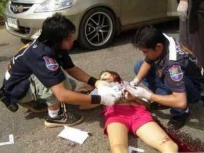 美女下部曝光图片 汶川地震死亡女尸照片