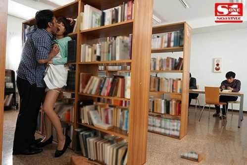葵司SSNI-303影音先锋 在图书馆被袭击的人妻葵司