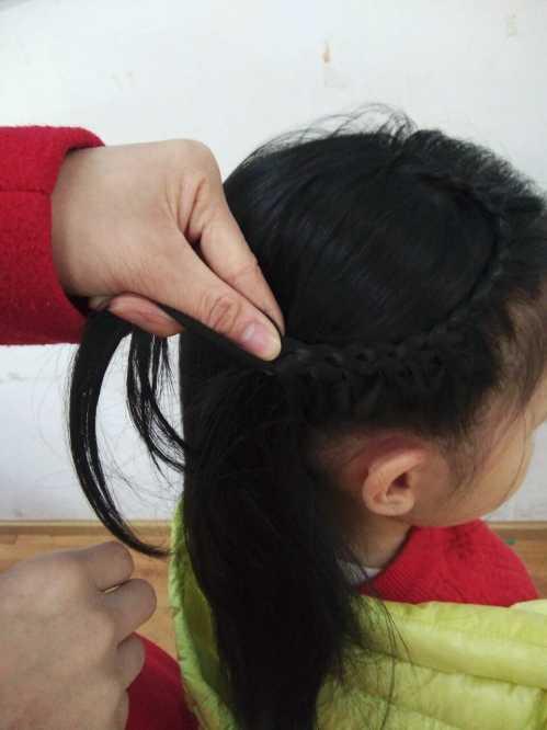 法式儿童发型扎法图解 甜美发型图解