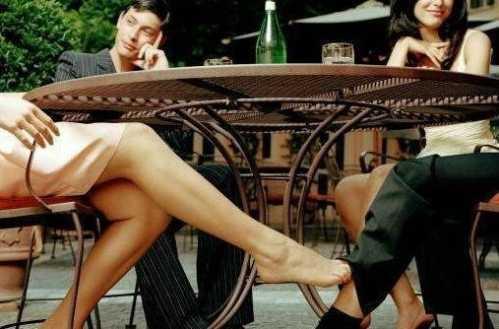 女人婚外情发生关系后脑子里想些什么 qq主页图片大图带字