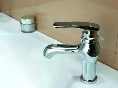 水龙头漏水维修方法 水龙头噪音大怎么解决