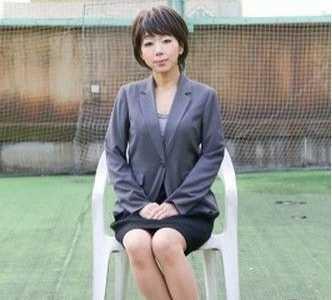 43岁女主播下海拍成人片 日本43岁女主播