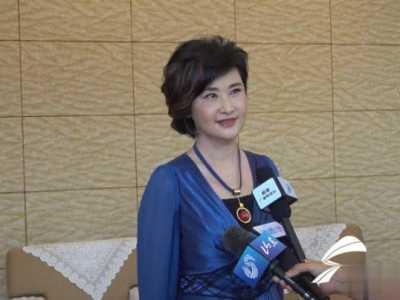 时尚的命题应该交到每一个威海人手里 凤凰卫视台的吴小莉