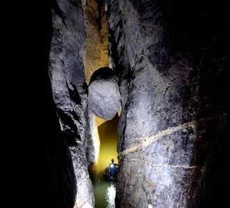 云南镇雄发现地下洞穴系统 系统洞穴