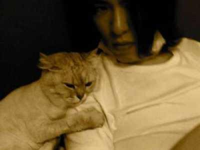 萧敬腾相伴16年爱猫过世 萧特