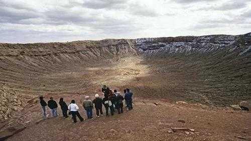 砸下来的陨石到底去哪了 陨石坑