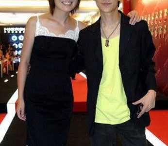 何炅的老婆王菁及儿子罕见私房照片 何炅的老婆是