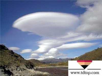 十大最炫目壮观的末日云彩 砧状云